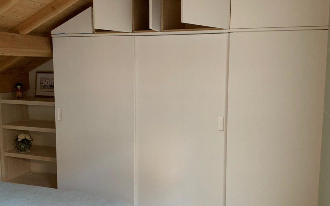 Dressing avec portes coulissantes laqué blanc